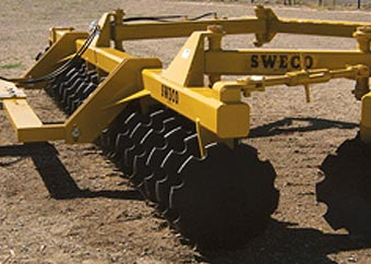 700 DISC HARROW